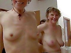 Sexo em grupo amador em uma festa
