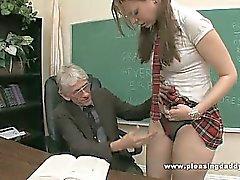 Giovane e Slut scopa Insegnante anziano di passare il categoria