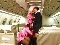 Laryne Laroche et de Sothy Hiko l'avion