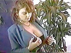 Killen DiSilva (Multi - Ethnic, Sydamerikanskt ) och i redheaden