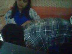 Бангладешского Bf & GF в ресторане 2-Full на hotcamgirls. в