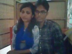 Bangladeshi Bf & GF nel ristorante 2-Full su hotcamgirls. in