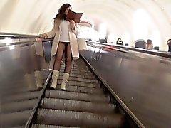 Jeny Smith metro pantyhose do flash bichano