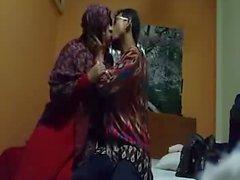 indonesialaisen jilbaber avioparilla osan 1