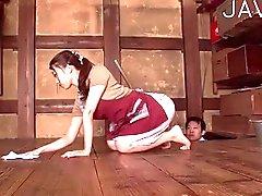 Slut giapponese ottiene viso rigato di sborra