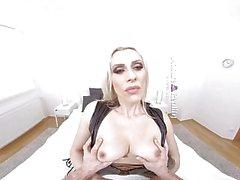 MatureReality - Blonde Milf med milky bröst