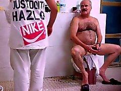 Padre Rasatura Nei Camera del bagno