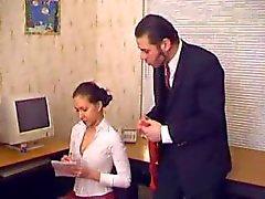 Basa kloroform samt våldta henne Sekreterare i Office