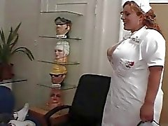 Enfermera cachonda Da Un buen trato a su paciente