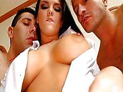 Mackenzee Pierce geeft twee jongens kutje