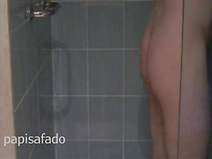 papi within the bath - going for a shower