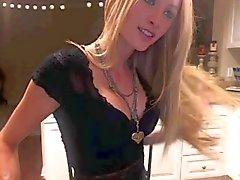 Garota magricela Blonde Super quente com corpo incrível mamas agradáveis!
