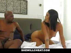 SheWillCheat - Slutty Wife Caught Cheatin con la BBC