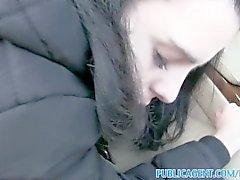 PublicAgent Вероники с большой синицы получает ее Гладко выбрит киске трахалась