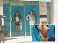 Japon modeli bu eğlenceli Japon kliptepenceresinde becerdin alır