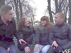 Феерическая групповой секс Ваш меры при крошечным России подростка
