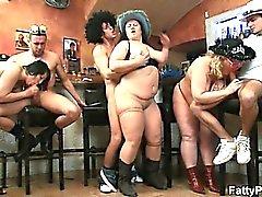 Прекрасные Большие красивые женщины групповой Секс в панели