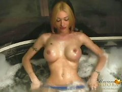 Mariana Cordobas Hot tub jerk off