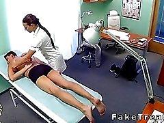 De masajes Enfermera y la los pacientes bangs
