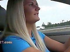 гламурный милашки сосание хуй в автомобиль
