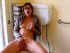 De masturbation seul de ma femme brune colocation à salle