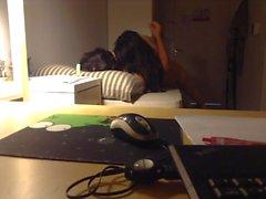 UNISTUDENT mette prostituire ad sua stanza