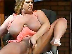 Louco a quente curvilínea das celebridades XXX louro Zoey de Andrews