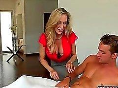 Stiefmutter der 3some Tagung über Massageliege
