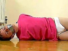 Jovencito de calientes La yeguada escaso consigue su trasero nalgadas sensibilizado Checa