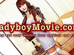Thaïlandaise Ladyboy Upskirts et des bandes de bière