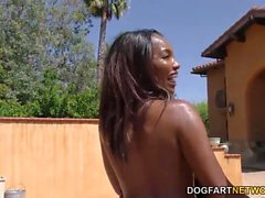 Ebony Daya Ritter Pool-Party-Turns Blowjob Orgy
