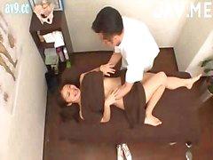 Titty Aziatische Chick krijgt Massage Fucked