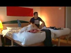 Hostel odayı paylaşan 2 oteller arkadaşları