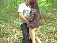 Tricher Femme avec Fat Pervert Homme dans les bois
