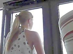 Espionnage de une fille chaude dans le bus