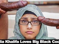 Bangbros - Mia Khalifa Riko Güçlü ve Charlie Mac ile Onun Humus paylaşır