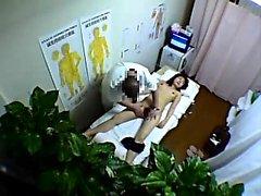 Voyeur av amatör asiatisk kroppsmassage