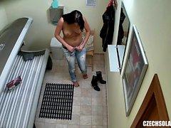 Следующая порно фото брюнетка подросток девочка загара ее жесткая бритая киска