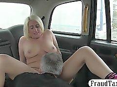 Tatoué, blond, femme, suce, fermé, cabine