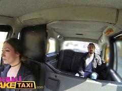 Feminino Taxi Falso Sexy motorista adquire alguma torneira estudante