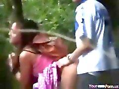Voyeur Borstbeelden Tieners Neuken In Het Bos