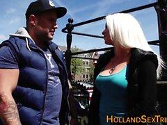 Голландская проститутка потрогал