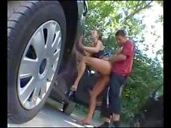 Allemande salope baisée sur le parking