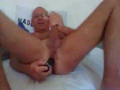 горячий папа играть с его игрушкой