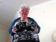 Abuelita aficionado pechugón hizo la primera ídeos