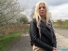 Agent Public Sexe en plein air avec étudiant russe