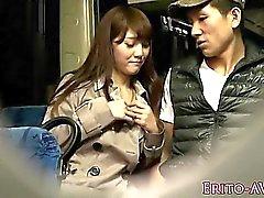 Asian slampa cocsucks till dess sperma när du i allmänna