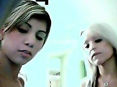 Teen lesbians eating pussy cam