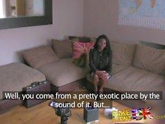 FakeAgentUK Impressionante Ebony amador garganta profunda grande torneira para o punho