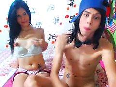 Latina bareback amador ejaculação depois sexo anal